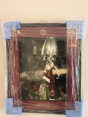 Signed Framed Manchester United  Peter Schmeichel Phpto COA • 200£