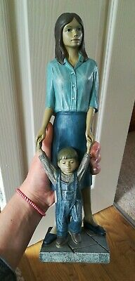 PIAZZA ENESCO GALLERY Figurine  First Steps  Mother And Son Child 34.5 Cm Tall  • 34.99£