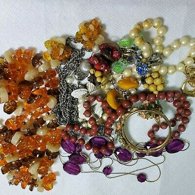 $ CDN39.03 • Buy Costume Jewelry Small Lots- Actual Estate Vintage 60s To 80s - Now -Sell Or Wear