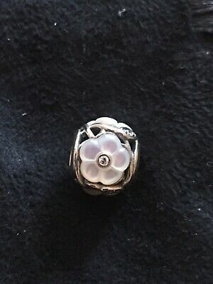 Pandora Silver Mother Of Pearl Charm • 6£