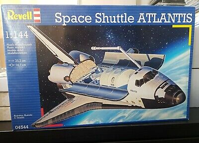MODEL SPACE SHUTTLE ATLANTIS 1:144  Plastic Construction Model Kit MODEL NASA  • 20£