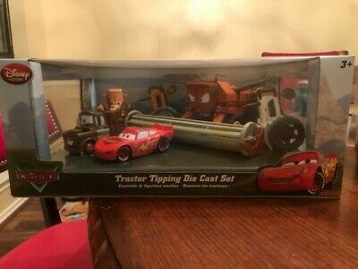 DISNEY STORE CARS TRACTOR TIPPING SET WITH FRANK THE COMBINE #//2000