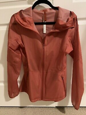 $ CDN75 • Buy Lululemon Horizon Jacket Size 6