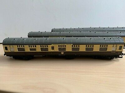 Hornby 00 Gauge - 3 Br Chocolate & Cream Mk1 Pass. Coaches  Cathedrals Express  • 12.50£