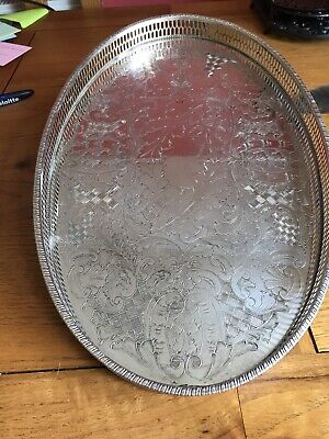 CHASED VINERS OF SHEFFIELD SILVER PLATED OVAL GALLERY TRAY.  39 X 24.5 Cm • 16£