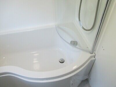 P Bath And Shower Screen And Side Panel 1600 Mm • 100£