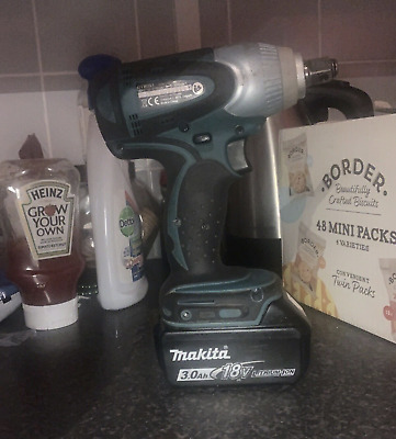 Makita DTW285Z Impact Wrench - 3 MAh Battery - Very Good Condition  • 33£