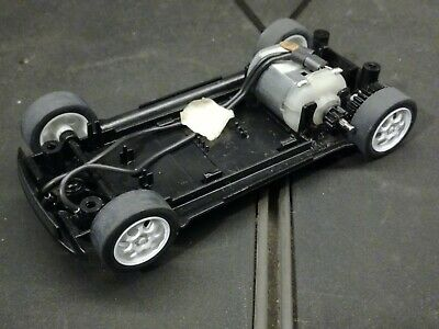 Scalextric  Bmw Mini Working Chassis. • 6£