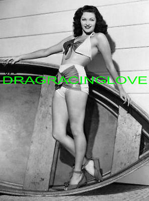 Yvonne De Carlo  The Munsters   Busty   Lily  60s TV Show  Pin Up  PHOTO! #(8)  • 7.51£