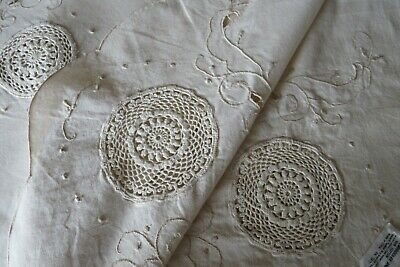 $ CDN29.40 • Buy Vintage Rect Creamy White Cutwork & Crocheted Holiday Tablecloth 70x112  Lovely!