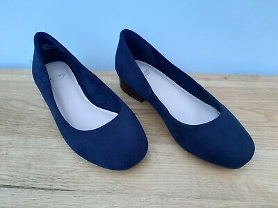 Ladies Court Shoes, Extra Wide Fit., Size 4EEE • 15£