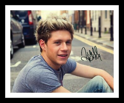 £15.99 • Buy Niall Horan Autograph Signed & Framed Photo 3