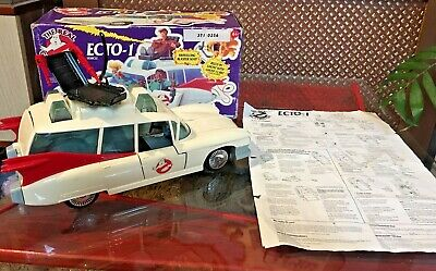 Kenner GHOSTBUSTERS ECTO 1 1984 On Base.  With Seat + Claw. Box + Instructions • 35£