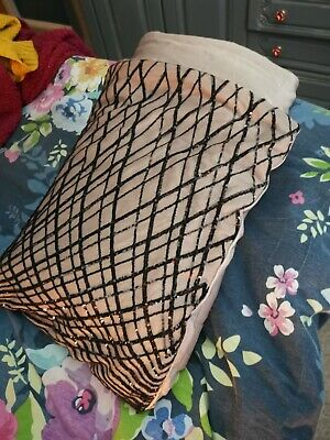 Kylie Minogue Bed Throw • 10£