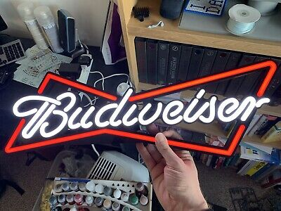 Budweiser Light Up Sign • 67£