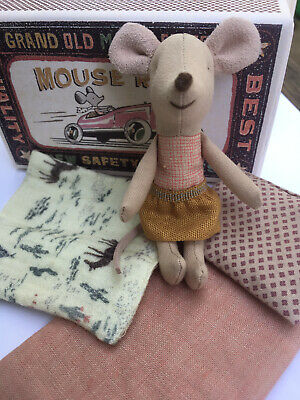 Maileg Little Sister Matchbox Mouse -  Pillow & Blanket - Brand New Collectible  • 19£