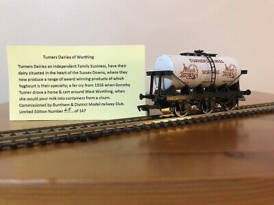 Burnham & District MRC Dapol 1:76 Ltd Edition - 6 Wheel Tanker, Turners Dairies • 3.08£