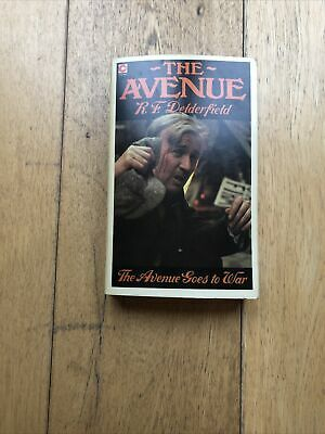 The Avenue Goes To War (The Avenue Story: Volume 2) By R.F. Delderfield Book The • 2.30£