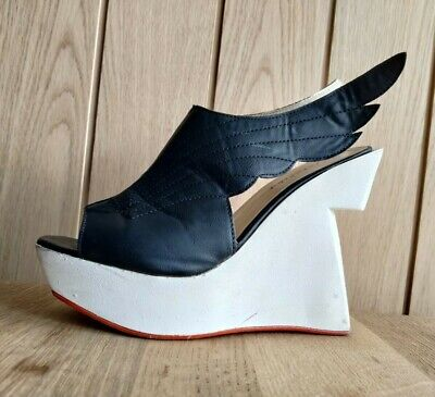 Metalika Vintage Unusual Winged Platform Heel Wedge Sandals Black White 6 • 9.99£