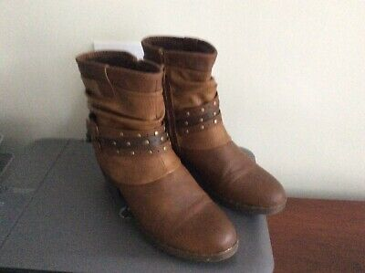 Pavers Brown Boots • 5£
