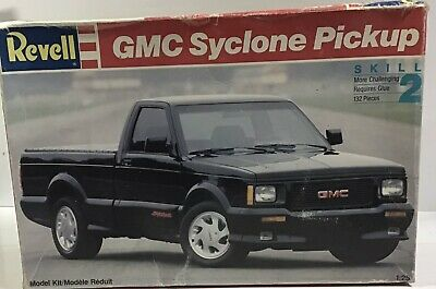 Revell 1:25 GMC Syclone Pickup Truck Model Kit • 40£