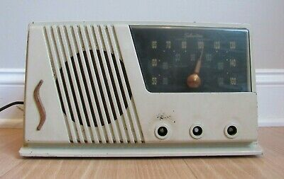 $ CDN88.80 • Buy Vintage SILVERTONE Tube Radio Sear Model 20 Broadcast AM Bakelite Cream 1950's