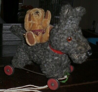 NICE & OLD TERRIER DOG On WHEELS • 42£