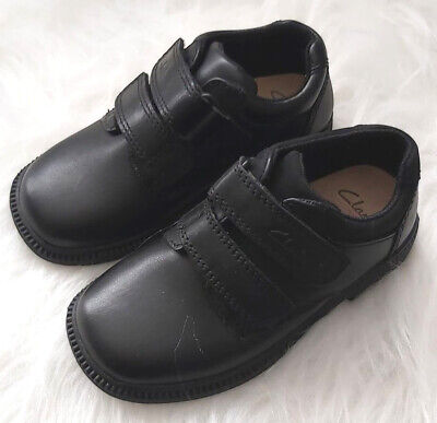 Clarks Boys School Shoes Infant Size 8 1/2 F Leather Deaton Hook Strap Black NEW • 19.99£