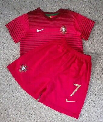Boys PORTUGAL National Football Top And Shorts Age 6-7 NIKE Vintage • 2.90£