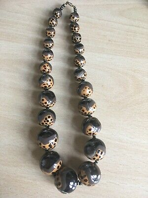 VINTAGE ANIMAL PRINTED/PAINTED? GLASS? GRADUATED BEADED NECKLACE - Stunning • 12.99£