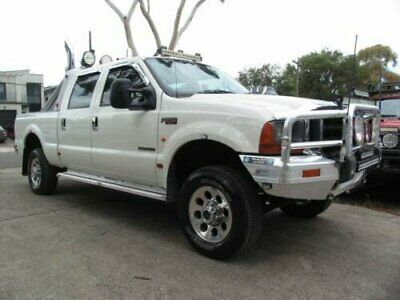 AU55900 • Buy 2002 Ford F250 RM XLT (4x4) White Automatic 4sp A Crew Cab Pickup