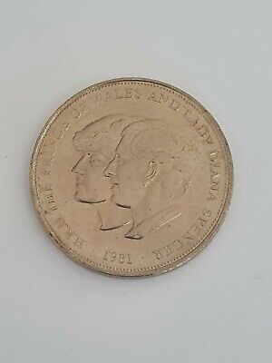 1981 Charles + Lady Diana Spencer Wedding Commemorative Crown Coin • 0.99£