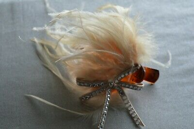 Women's Cream Feather & Bow Fascinator On Clip - Designed In France • 4.99£