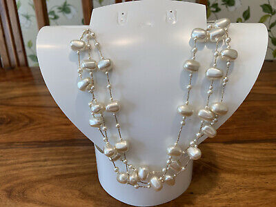 Faux Pearl Necklace - Costume Jewellery • 2£