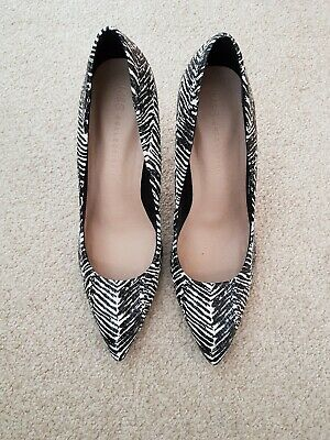 £12 • Buy Marks And Spencer Court Shoes Size 7 Black Mix