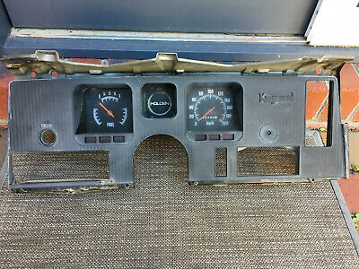 AU399 • Buy Holden HQ Dash Kingswood Berwick
