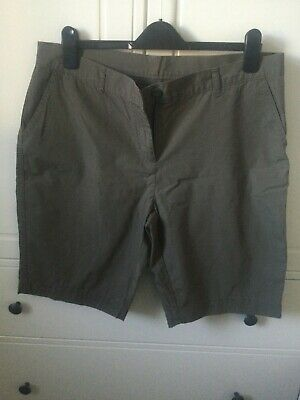 Ladies M & S Khaki Cotton Shorts. Size 16. • 2.20£