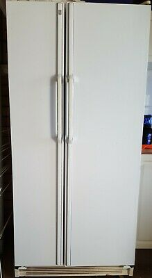 AU100 • Buy GE 2 Door White Fridge Freezer. Good Order. Will Need Removalist To Transport.
