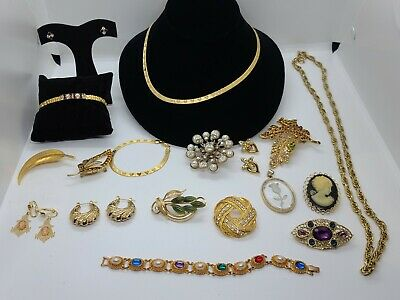 $ CDN12.62 • Buy Vintage Estate Gold Tone Jewelry Lot Brooches Necklaces Bracelets Earrings Rhine
