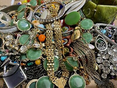 $ CDN13.25 • Buy (lot 8) Huge Lot Of Vintage To Now Costume Jewelry Lot 2.3 Lbs, Some Signed