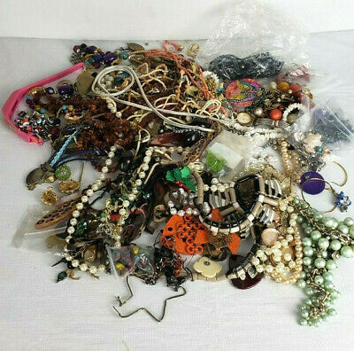 $ CDN31.49 • Buy Unsearched Jewelry Vintage Modern Lot Junk Craft Box 3lbs 11 Oz