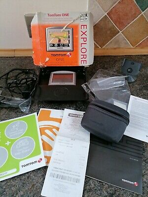 TomTom One + Bundle Carry Case.USBcar Changer USB Cable  2 Hour Operation. Box • 13£