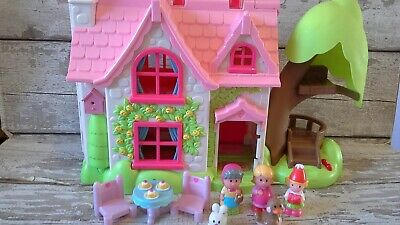 Elc Happyland Cherry Tree Cottage And Figures Plus Table And Chairs • 15£