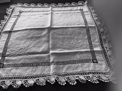 Vintage White Linen Lace Edged TableCloth Aprox 28 X27 Inches • 10£