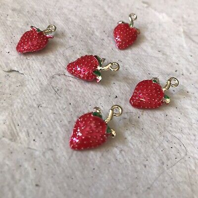 £3.25 • Buy 3D Enamelled Strawberry Charm ~ Pack Of 6
