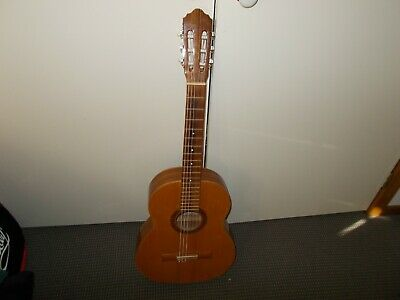 AU200 • Buy Giannini 1900 Gwne20 Right Hand  Classical Guitar And Bag