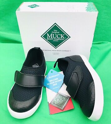 £17.99 • Buy MUCK BOOT COMPANY Size 8,9  UK Kids Black Solstice Slip On Shoes/Trainers BNWT