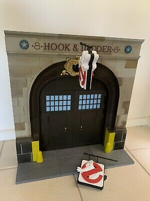 AU750 • Buy Ghostbusters Firehouse Diorama Complete BAF Diamond Select Action Figures