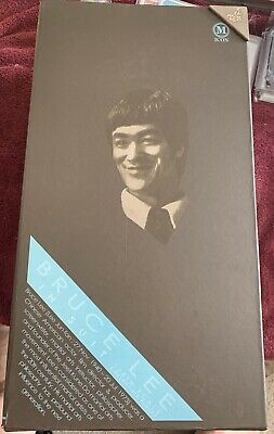 $ CDN250 • Buy Hot Toys Bruce Lee 1/6th Scale MIS 11 In Suit Version 12 Inch Action Figure NEW