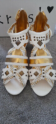 Brand New White And Gold Gladiator Sandals Size 6 • 5£